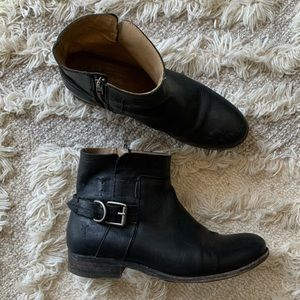 FRYE black leather ankle boots size 8